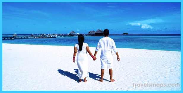 What To Expect From Your Maldives Honeymoon_10.jpg