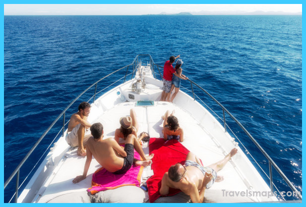 Vacation Chill: Why You Should Go on a Private Yacht Charter_0.jpg