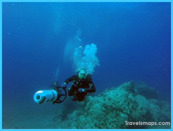 live-the-excitement-of-diving-with-underwater-scooters-dpv-diver-propulsion-vehicle-20171124T202934409Z-art.jpg