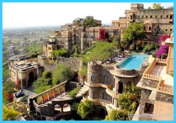 neemrana-fort-near-delhi.jpg