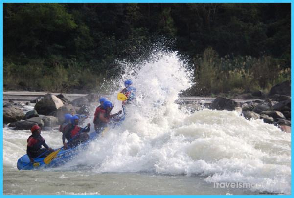 river-rafting-Alaknanada-Kaudiyala-ganga-river-garhwal-himalayas-uttarakhand-travelhi5-5.jpg