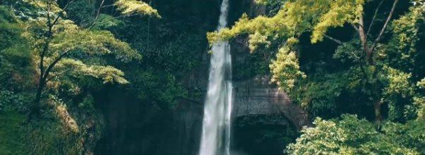 balis hidden gems secret waterfall 02