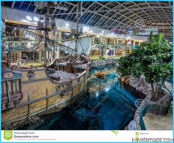 LARGEST MALL IN NORTH AMERICA - West Edmonton Mall_2.jpg
