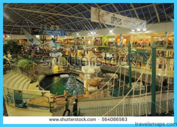 LARGEST MALL IN NORTH AMERICA - West Edmonton Mall_66.jpg