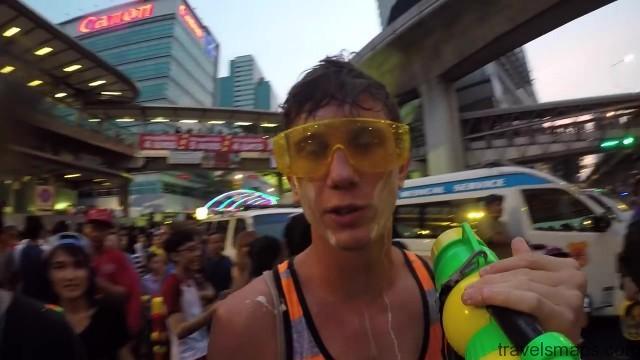 songkran in bangkok 37