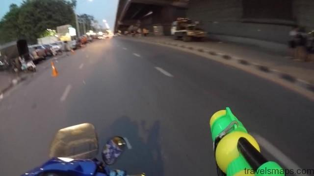 songkran in bangkok 38