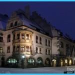 Visit Hofbrauhaus in Munich